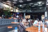 Di tengah pandemi COVID-19, Noerbaya Cafe berdiri di kawasan Padang Kota Tua