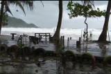Kapal nelayan tersapu ombak, satu nelayan dilaporkan hilang