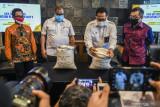 Mulai 2022, Bulog hanya produksi beras premium