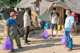 Warga isolasi mandiri di Bartim dapat bantuan bahan pangan PT SEM