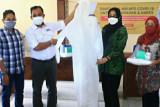SIG gandeng 30 ibu rumah tangga produksi 1.400 baju hazmat