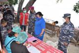 Serbuan Vaksinasi TNI AL jangkau desa pesisir Likupang Sulut