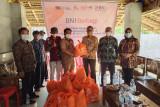 BNI Baturaja salurkan bantuan pangan untuk warga terdampak COVID-19