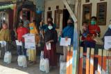 YBM PLN UP3 Bima kembali salurkan 150 paket sembako