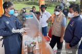 Pemkab serahkan kembali mahasiswa sukarelawan COVID-19 ke UMP