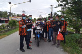 Sambut hari Kemerdekaan, Pemuda Pancasila Bantan bagi-bagi masker dan bendera