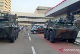 Tank Anoa dan kendaraan taktis disiagakan di Kompleks Parlemen