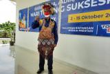Ketua DPRP Papua gunakan baju adat Yapen bacakan Teks Proklamasi