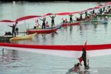 Bendera Merah Putih sepanjang 1.000 meter dibentangkan di kapal pinisi