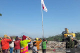 Pemulung TPA Sanggrahan gelar upacara HUT RI