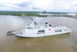 KRI Semarang-594 sandar di Pelabuhan Dumai bawa stok oksigen untuk Riau