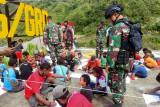 Satgas TNI peringati HUT RI bersama warga Waa Banti III Tembagapura