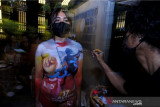 Kedai kopi di Bali tampilkan body painting meriahkan HUT RI