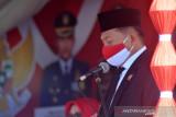Wakil Ketua DPRD Gorontalo Utara Roni Imran yang membacakan Teks Proklamasi di HUT Kemerdekaan RI. (ANTARA/Susanti Sako)