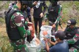 Penyelundupan pakaian bekas dari Malaysia digagalkan Satgas Pamtas