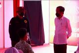Presiden Jokowi tinjau pelaksanaan vaksinasi pelajar di Jawa Timur