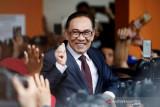 Ismail Sabri dan Anwar Ibrahim bersaing menjadi perdana menteri