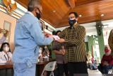 Yogyakarta menuntaskan distribusi Kartu Keluarga Sejahtera