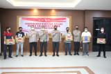 Kapolda Nana Sudjana serahkan Bansos bagi wartawan