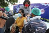 Aruna Senggigi Gandeng Lanal Mataram vaksinasi pelaku pariwisata dan warga