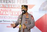 Vaksinasi dan Bansos di Jogyakarta, Kapolri Ingatkan Warga Disiplin Prokes di Sektor Ekonomi