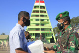 Korem 161/WS mulai distribusi bantuan 150 ton beras bagi masyarakat