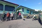 Kodim Manggarai distribusi bantuan untuk warga terdampak pandemi