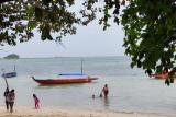 Warga  Batam mulai kunjungi pantai untuk berlibur