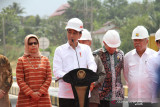 Presiden Jokowi ke Balikpapan meninjau vaksinasi massal