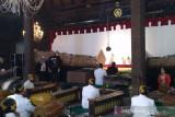 Dalang Ki Anom Suroto dorong pelestarian seni pewayangan