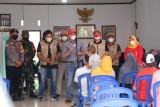 Bupati Lampung Barat tinjau pelaksanaan vaksinasi di rumah Ketua DPRD