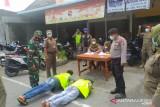 Empat pelanggar prokes di Meranti disanksi push up dan baca Al Fatihah