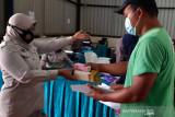 Perum Bulog bagikan beras Fortivit bagi peserta vaksin di Banjarnegara