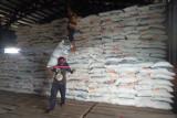 Persediaan stok beras di gudang Bulog Timika hanya sampai September