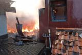 Api lalap 18 rumah di permukiman padat penduduk
