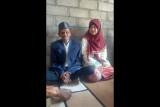 Viral! Kakek 79 tahun di Dompu nikahi wanita muda blasteran Cina-Arab
