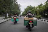 Tim Sparta Polresta Solo menaiki sepeda motor yang dimodifikasi dengan