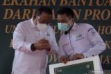 KADIN Sumsel Serahkan Bantuan Tabung Oksigen Untuk Rumah Sakit