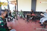 Atase Pertahanan Singapura beri bantuan alkes untuk penanganan COVID-19 di Indonesia