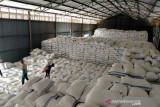 Bulog salurkan bantuan beras 8.950 ton untuk PKM di Solo Raya