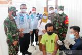 Ratusan warga binaan Rutan Surakarta divaksin dosis kedua