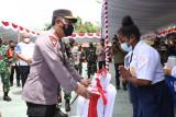 Kapolri salurkan oksigen generator dan bantuan sosial di Papua