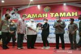 Pemprov Sulawesi Tenggara apresiasi Apriyani Rahayu dengan hadiah mobil