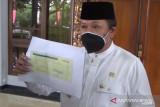 Bupati dan pejabat Jember kembalikan honor pemakaman jenazah COVID-19