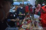 Sandiaga Uno dan Mpok Nur  kunjungi Kampung Minang Sumpu