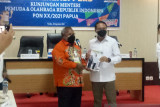 Menpora harapkan warga sekitar arena PON XX Papua divaksin