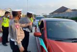 Polres Pekalongan Kota tutup ruas jalan tekan mobilitas  warga