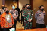 Panglima TNI ingatkan kesehatan masyarakat Mimika sukseskan PON XX Papua