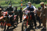 TNI buka jalan di perbatasan  Kabupaten OKU Selatan