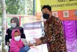 Fakultas Pertanian UGM membantu alat pencacah ikan KSM Usaha Mulia